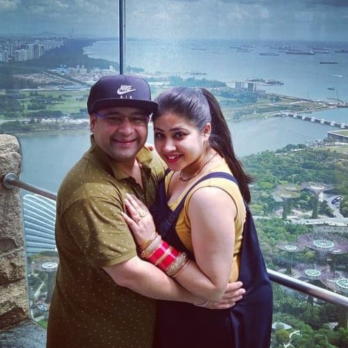 Raashul Tandon (Actor) with wife