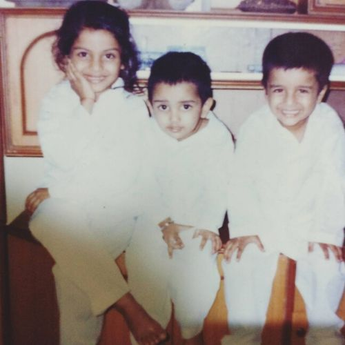Akanksha Thakur Childhood image