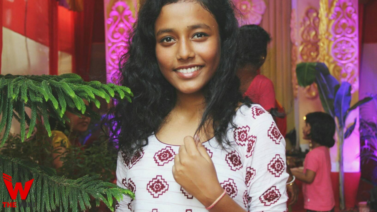 Nandinee Sarkar (Singer)