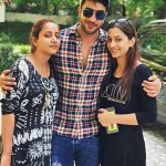 Aly Goni with two sisters
