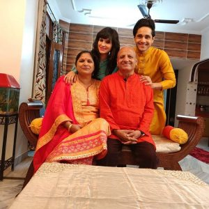 Anshul Pandey with family