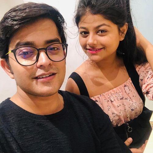 Pallavi Mukherjee with brother