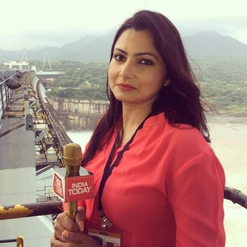 News anchor of Aaj Tak Channel (Chitra Tripathi)