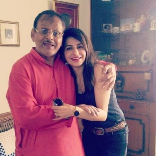 Roop Durgapal (TV Actress) with her father