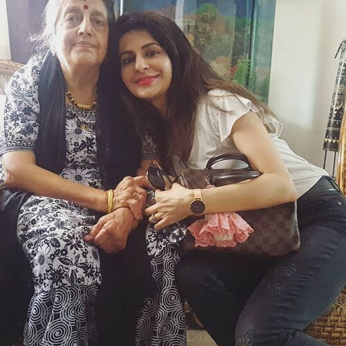 Roop Durgapal (TV Actress) with her mother