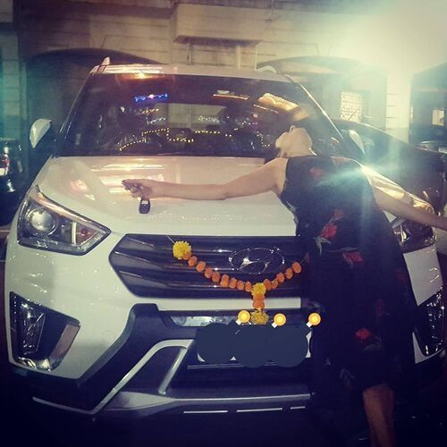 Roop Durgapal (TV Actress) with her car