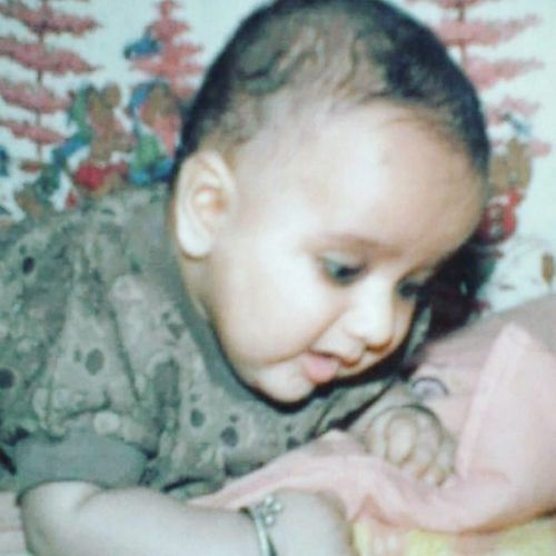 Savi Thakur childhood picture