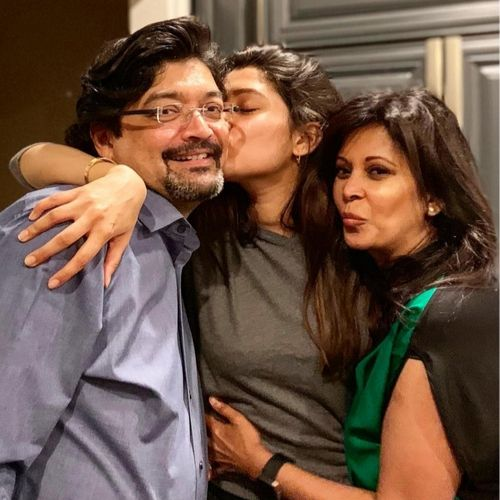 Anuja Joshi With Parents