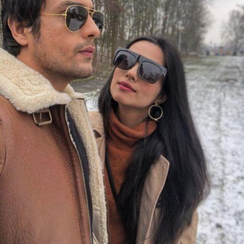 Wife Sakshi Shhorwani