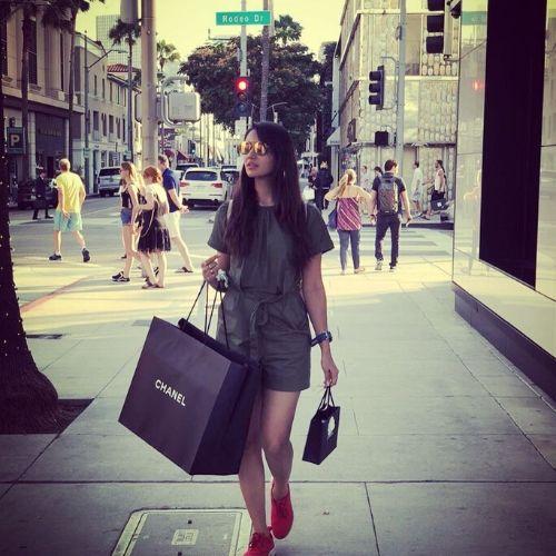 Nikita love shopping