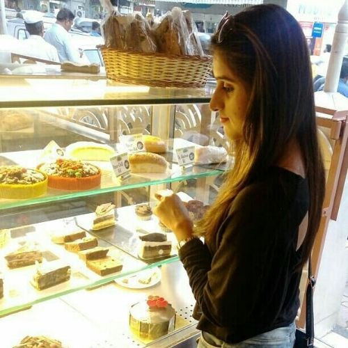 Shiva Loves to eat pastries