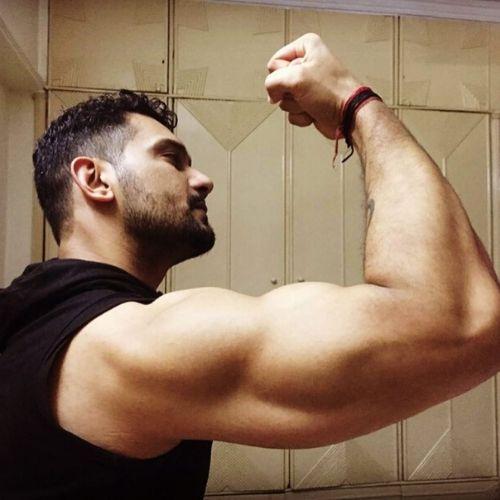 Vineet love gymming