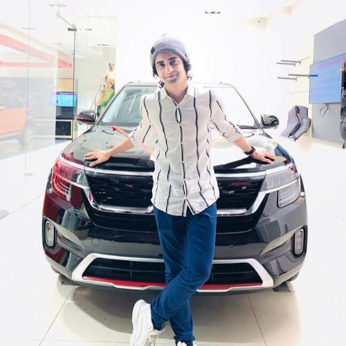 Sumedh Mudgalkar with his car