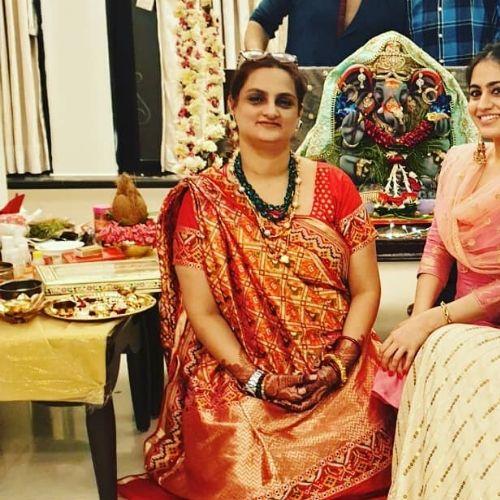 Aksha Pardasany Mother