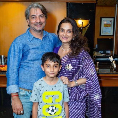 Rajeshwari Sachdev Family