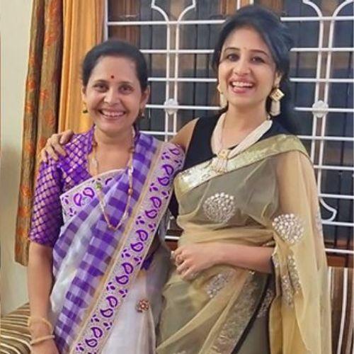 Paridhi Sharma Mother