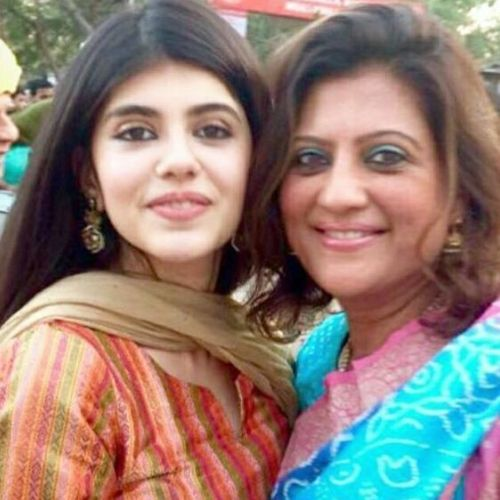 Sanjana Sanghi Mother