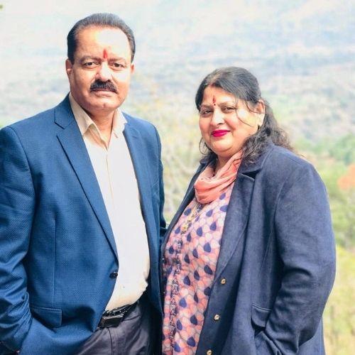 Himanshu Bamzai Parents