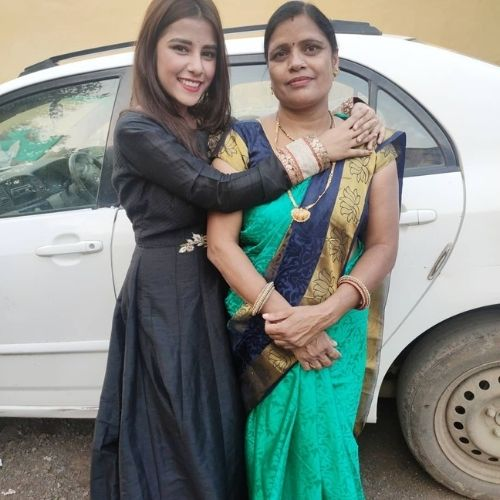 Sneha Bhawsar Mother