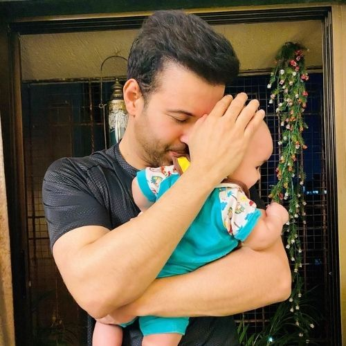 Aamir Ali with Daughter Arya