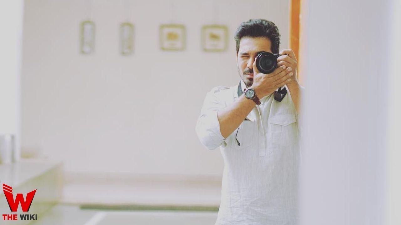 AbhinAbhinav Shukla (Actor)av Shukla (Actor) (1)