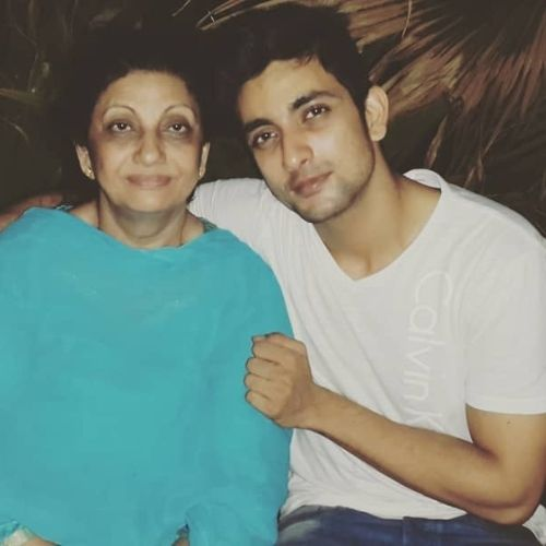 Fahmaan Khan with Mother