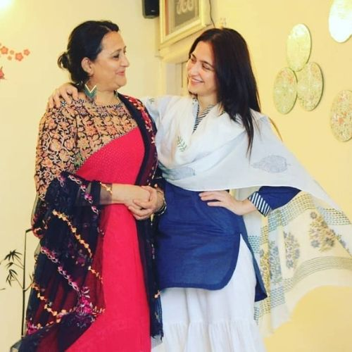 Sanjeeda Sheikh with Mother