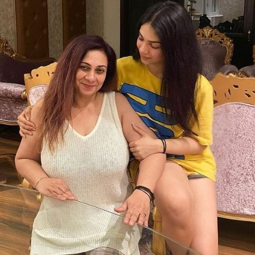 Kashish Rai with Mother