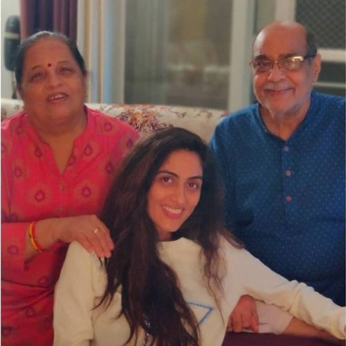 Monica Khanna with Family (Father and Mother)