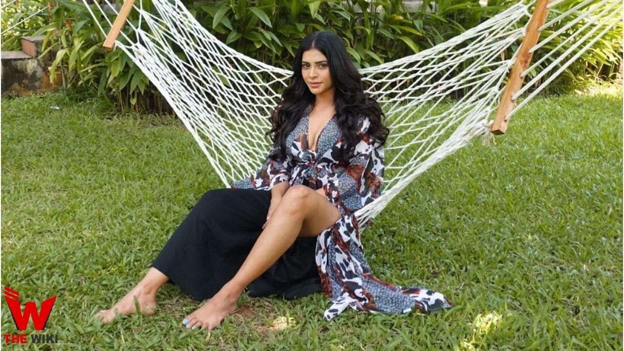 Rina Charaniya (Actress)