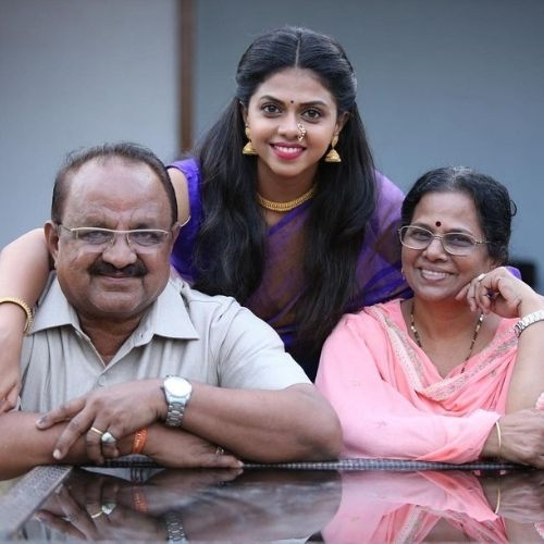 Rutuja Bagwe with Family (Mother and Father)