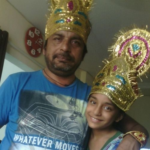 Sumbul Touqeer Khan with Father