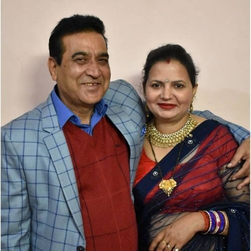 Khushi Chaudhary's Father & Mother