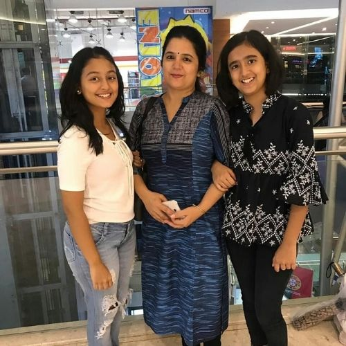 Shurti Bhist with Sister and Mother