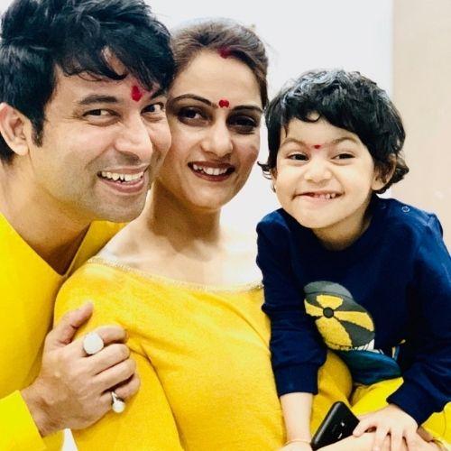 Chandan Prabhakar Family