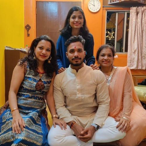 Sagar Amale with Sisters