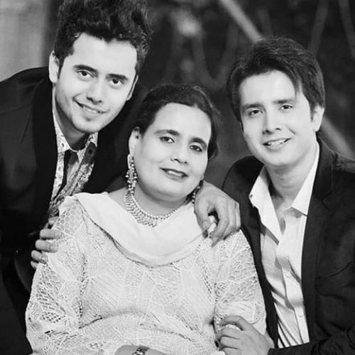 Zaan Khan with Mother and Brother