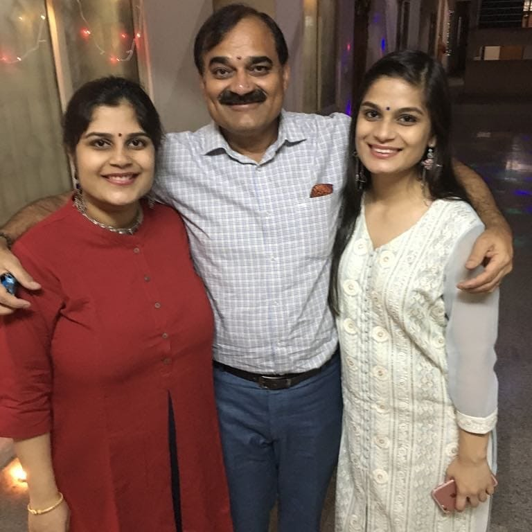Shristi Dixit with Sister and Father