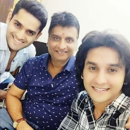 Mandar Jadhav with Father and Brother