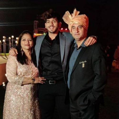 Vyomesh Koul with Parents