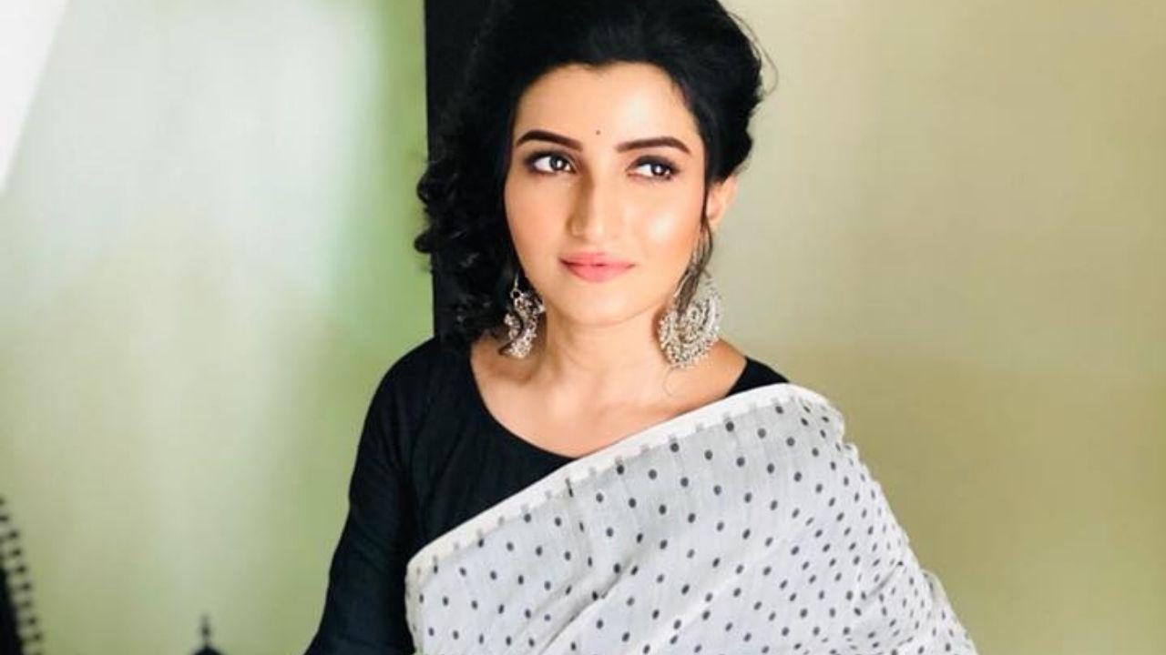 Ahiri Biswas (Actress)